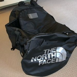 The North Face Black BASE CAMP DUFFEL-XL